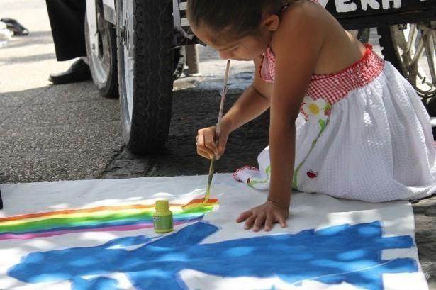 Durante la actividad hubieron varias mantas en el suelo donde personas de todas edades pudieron expresar sus sentimientos