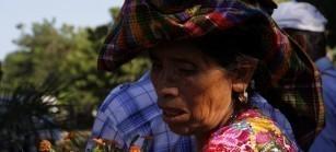 Hoy en día las familias de El Triunfo luchan para defender sus tierras, ampliar la participación de las mujeres y jóvenes, y recuperar su experiencia de Resistencia para luchar por los derechos, la justicia y la dignidad.