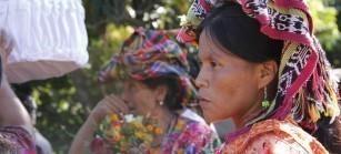 La comunidad de El Trunfo y las  CPR de la Sierra desarrollan sus propias formas de autogobierno, organizanla vida de sus comunidades sin la presencia del Estado guatemalteco, funcionandos a partir del principio de la plena participación de todas y todos, desarrollan su propia economía.