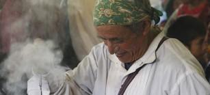 Los abuelos guías espirituales acompañaron la sepultura.