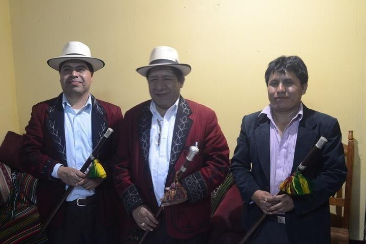 Raymundo Cobo mandó a fabricar un nuevo juego de varas de autoridad, debido a que Bernal se quedó con el juego original o ancestral.