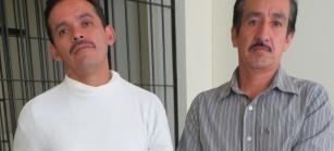 Saúl y Rogelio de Santa Cruz Barillas, dos inocentes que permanecen injustamente presos por defender su territorio pacíficamente. (Foto: Cecilia Mérida)