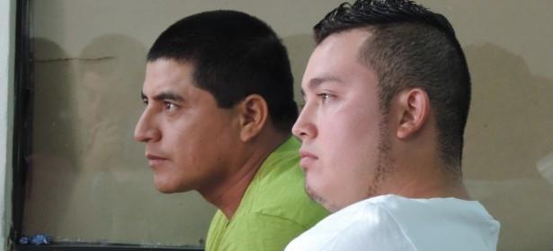 En la imagen aparecen dos de los tres querellantes en el proceso acusatorio contra liderazgos de la Puya