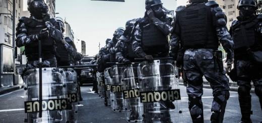 2014-07-13-1611-Cerco-e-repressão-em-manifestação-durante-a-final-da-Copa-do-Mundo-1024x662