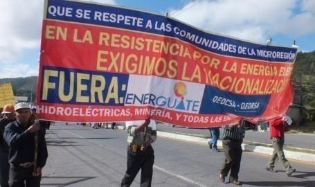 Marcha en Guatemala exigiendo la expulsión de Energuate/ACTIS y la nacionalizacion de la energía eléctrica. Archivo CMI.