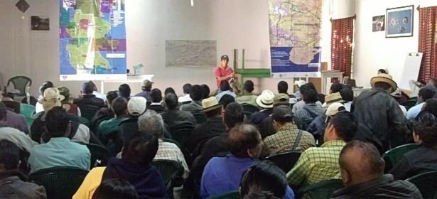 reunión informativa en Cunén, Quiché, donde comunitarios y comunitarias de afectadas por el Anillo Hidraúlico que construye TRECSA.