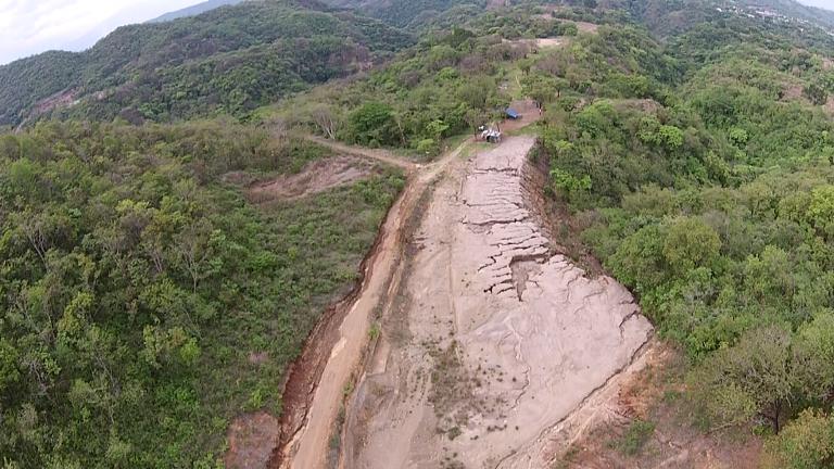 Vista de pájaro de la entrada de la mina el Tambor. Julio 2014.