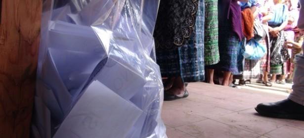 En algunas comunidades las boletas fueron insuficientes ante la participación masiva.