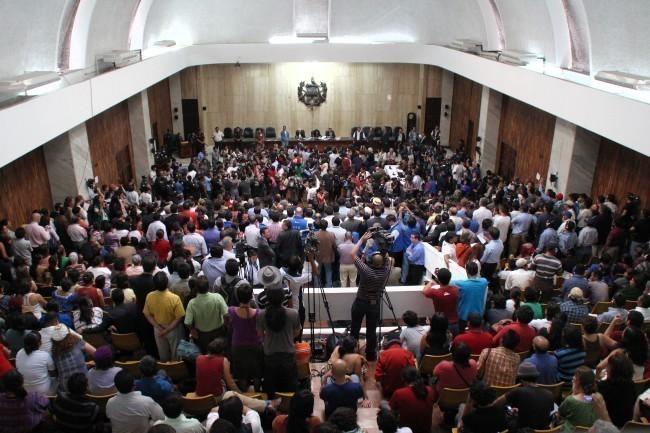 Sala de Vistas durante la sentencia condenatoria a Efraín Ríos Montt, el 10 de mayo de 2013. Fuente: Jacobo Mogollón (CMI)