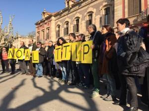 Una protesta reciente contra el TTIP delante del Parlamento de Cataluña