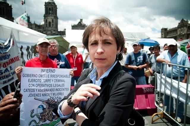Carmen Aristegui en el campamento del SME. Fuente:  Eneas De Troya