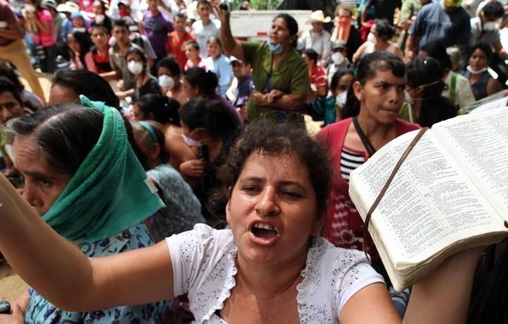 Una de las mujeres que encabeza la resistencia pacífica en La Puya. Fotos: Carlos Sebastián