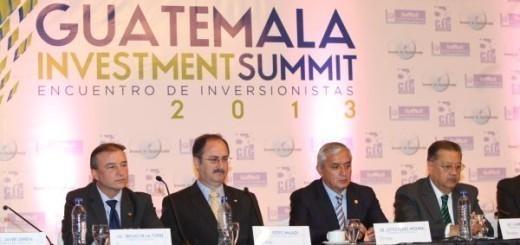 El 2013, el gran empresariado con puestos clave: Ministro de Economía, Sergio de la Torre; Presidente del Congreso, Pedro Muadi; Presidente, Otto Pérez; y Presidente Corte Suprema, Gabriel Medrano.