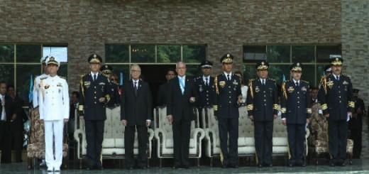 Pérez Molina despidéndose del ejército, el martes 30 de junio. Fuente: Presidencia de Guatemala