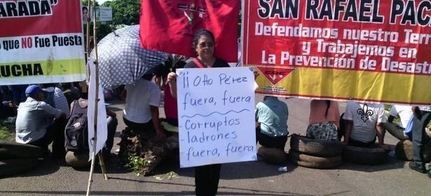 las consignas son comunes: Fuera Otto Pérez