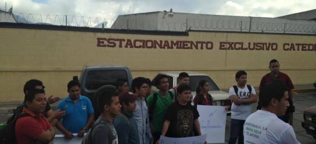 universidad mesoamericana cerrada por los estudiantes. Foto: Comunidad Meso