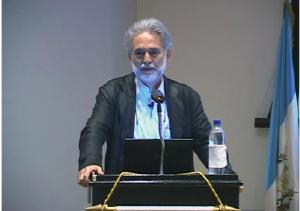 Fernando Paiz Andrade en la Lección anual Pierre F. Goodrich, Universidad Francisco Marroquín (UFM), en el año 2009.