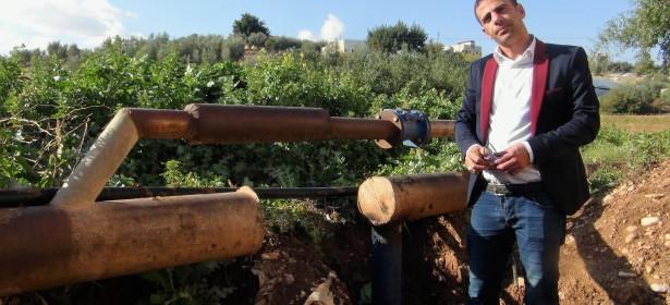 Esta tubería de agua, abastecía algunas comunidades palestinas. En 1972, Israel la cortó, reduciendo su capacidad.