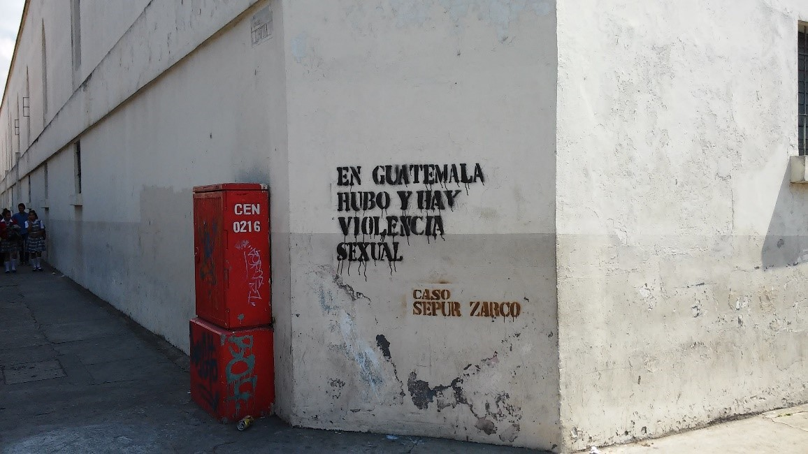 Solidaridad mostrada por organizaciones indígenas y de derechos humanos con las víctimas de Sepur Zarco, lunes 1 de febrero 2015. Fotografía: Verdad y Justicia en Guatemala.