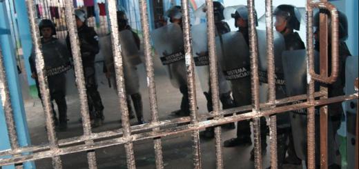 Guardias del SP tras un intento de motín en Puerto Barrios. Foto: Sistema Penitenciario